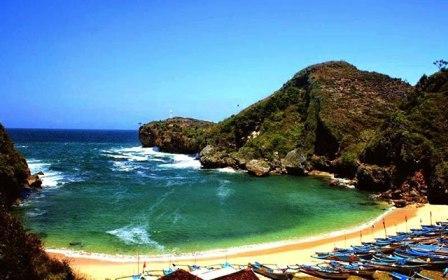wisata-pantai-baron-di-yogyakarta