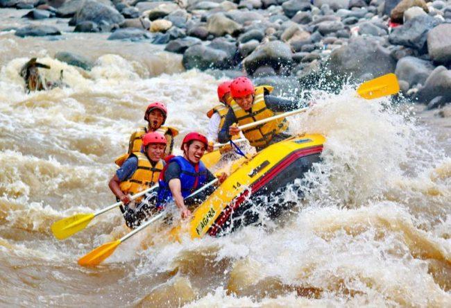 Arung Jeram Sungai Cicatih