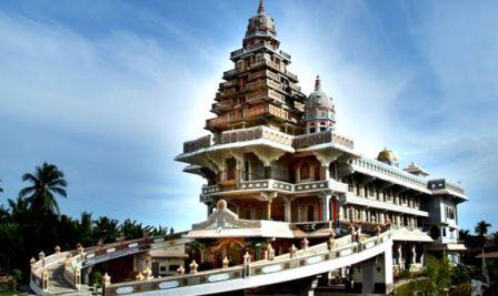 sebut sebagai sepenggal syurga yang ditunkan ke muka bumi 56 Tempat Wisata di Sumatera Utara yang Menarik Dikunjungi