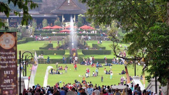 Kebun Raya Bogor via Tirto