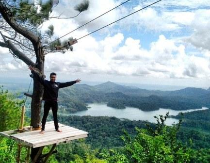Berwisata di Desa Dan Hutan Wisata Kalibiru