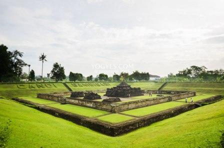Berwisata ke Peninggalan Peradaban Hindu Kuno di Candi Sambisari