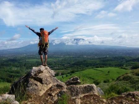 Bukit Karang Numpang Sukabumi