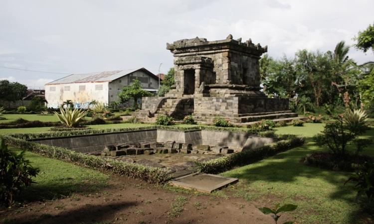 Candi Badut via Merdeka