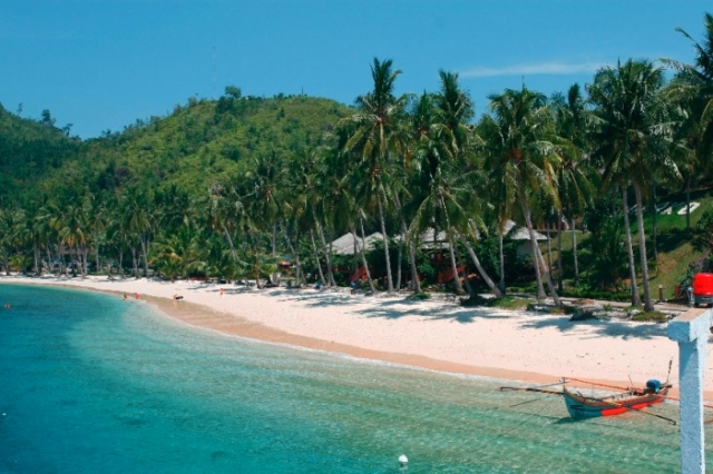 Destinasi Wisata Pulau Sikuai di Padang