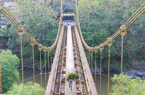 Jembatan Gantung Kuno