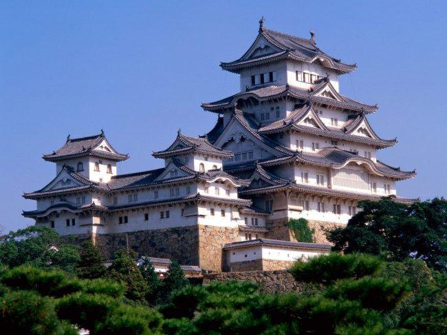 Kastil Himeji via Wikipedia
