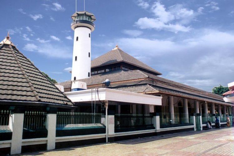 Masjid Ampel Surabaya via republika