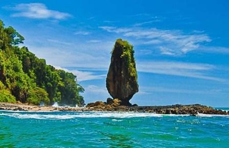 Lombok dan Kepingan Surga yang Jatuh
