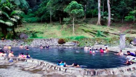 Objek Wisata Pemandian Air Panas Cangar Batu Malang