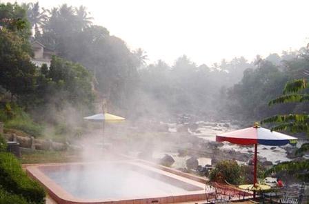 Objek Wisata Sumber Air Panas Cikundul Sukabumi