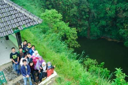 Objek Wisata Sumur Jalatunda di Dieng