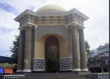 Objek Wisata Tugu Thomas Parr Bengkulu