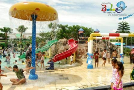Objek Wisata air Gerbang Mas Bahari Waterpark Tegal