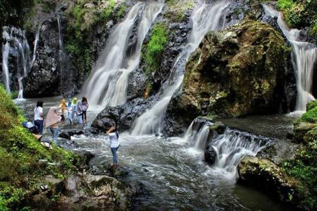 Obyek Wisata Alam Air Terjun Maribaya Lembang - tempat wisata di Lembang bandung