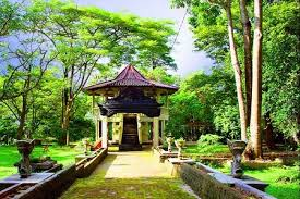 Obyek Wisata Bukit Siguntang di Palembang
