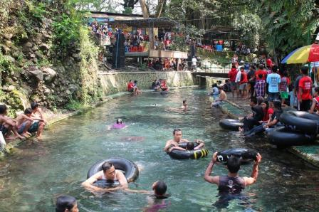 Obyek Wisata Mata Air CokroTulung Klaten