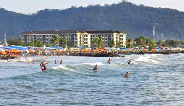 Obyek Wisata Pantai Padang