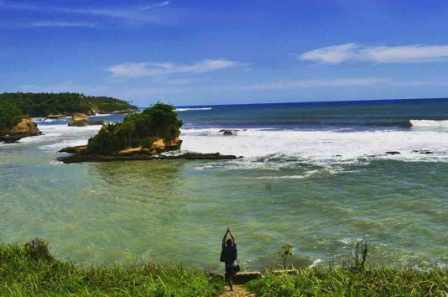 Pantai Amanda Ratu