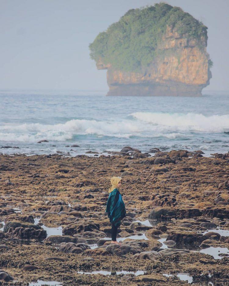 Pantai Bangsong via IG @meikasantoso
