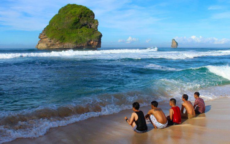 Pantai Goa Cina Foto by Fery Wahid