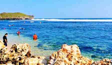 Pantai Sadranan - tempat wisata di Jogja
