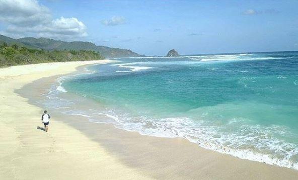 Pantai Sekotong Lombok via IG @soedibyo.jr_