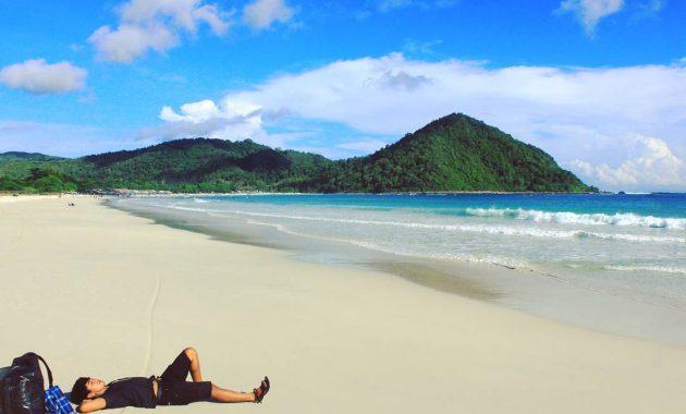 Pantai Selong Belanak via IG@gogo_gzli