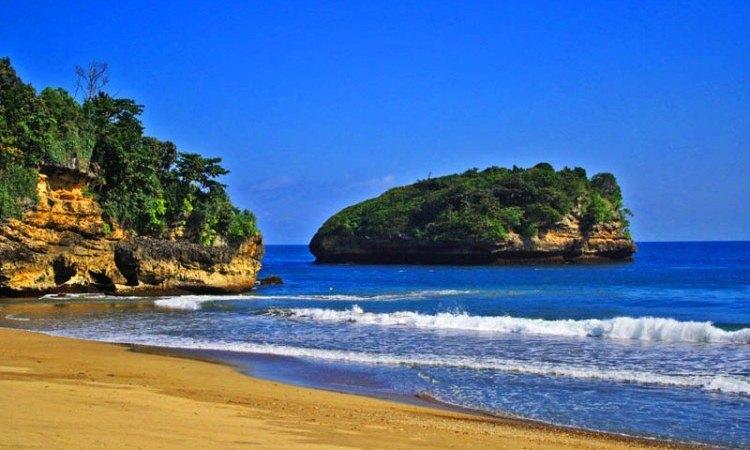 Pantai Sendang Biru via Ngalam