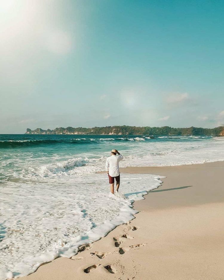 Pantai Sendiki via IG @ariskiwhydi
