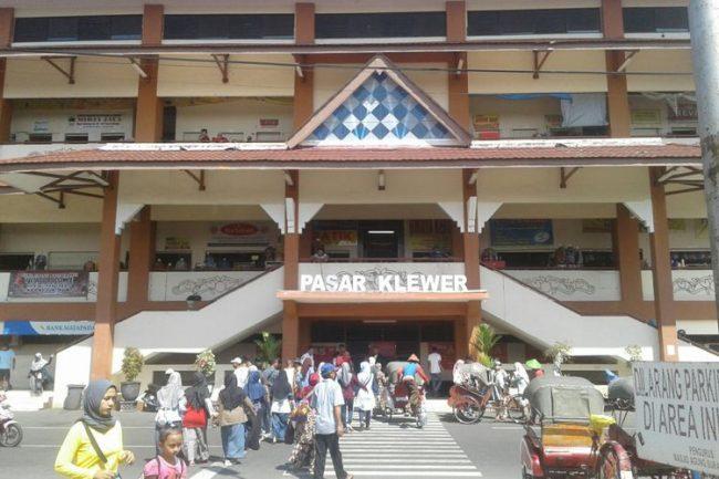 Pasar Klewer via Kompas