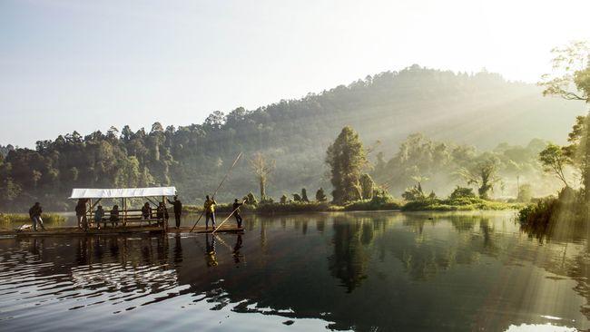 Situ Gunung Sukabumi via Cnn Indonesia