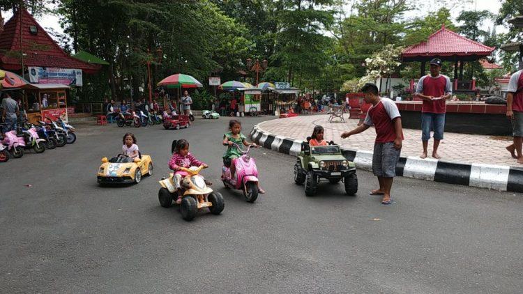 Taman Kebon Rojo via Google Maps