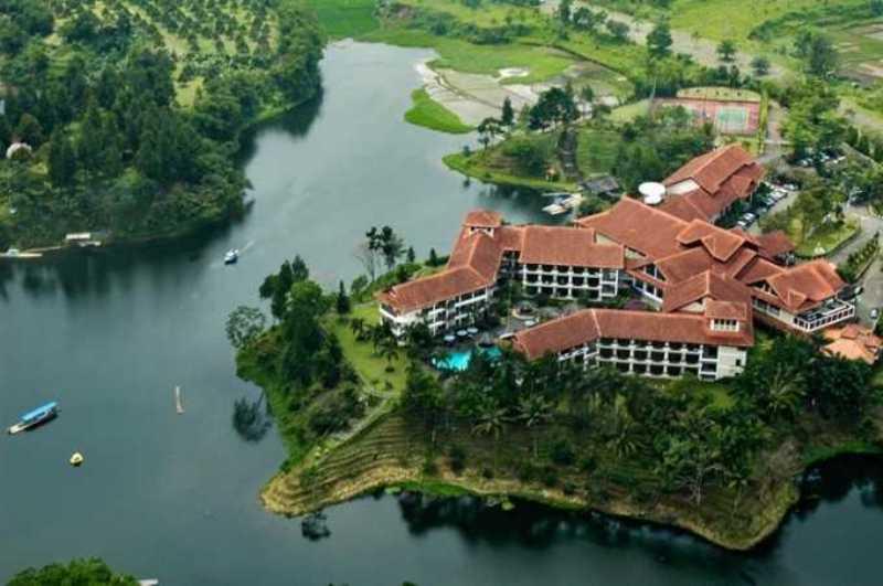 Taman rekreasi Danau Lido Sukabumi