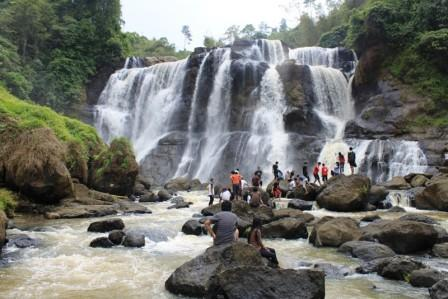 Tempat Wisata Air Terjun Curug Sembilan Bengkulu