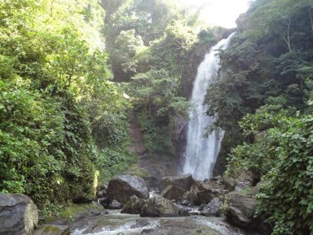 Tempat Wisata Alam Air Terjun Antrokan di Jember