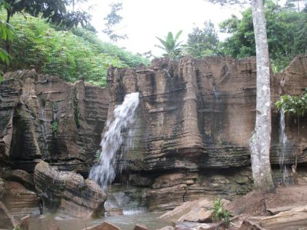 Tempat Wisata Alam Goa Agung Garunggang di Sentul