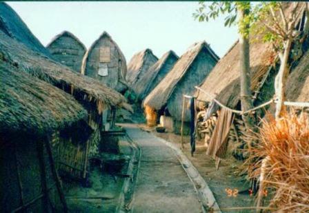 Tempat Wisata Budaya Rumah Adat Dusun Sade Lombok