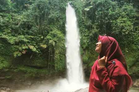 Tempat Wisata Curug Sawer di Sukabumi