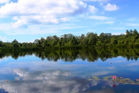 Tempat Wisata Danau Dendam Tak Sudah Bengkulu