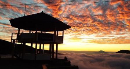 Tempat Wisata Gardu pandang Tieng