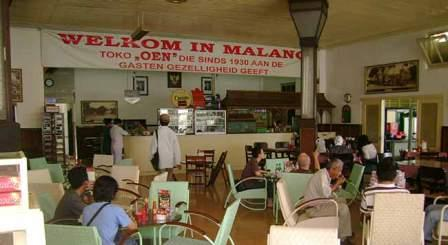 Tempat Wisata Kuliner Es Krim Legendaris di Toko Oen Malang