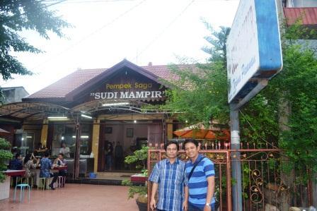 Tempat Wisata Kuliner Pempek SAGA di Palembang