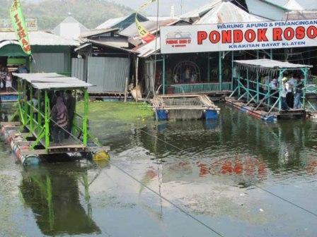 Tempat Wisata Kuliner Warung Apung Rowo Jombor Klatenq