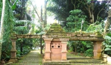 Tempat Wisata Mistis Pertapaan Ratu Kalinyamat Jepara