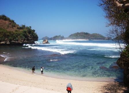 Wisata Pantai Peh Pulo