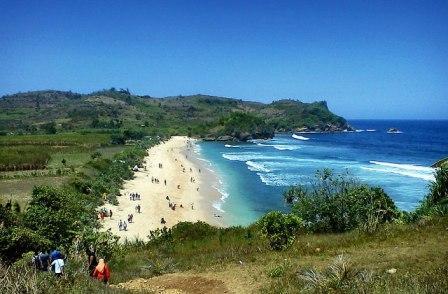 Tempat Wisata Pantai Tambakrejo di Blitar