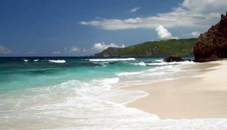 Tempat Wisata Pantai Tanjung Aan Lombok