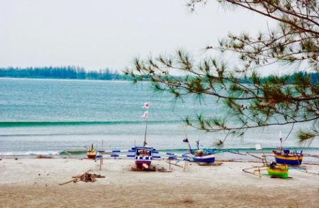 Tempat Wisata Pantai Tapak Paderi Bengkulu