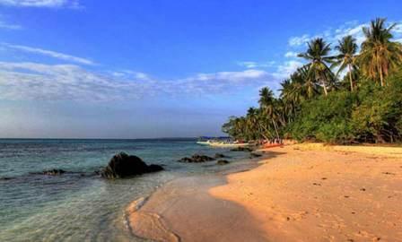 Tempat Wisata Pantai Teluk Awur di Jepara